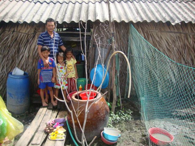 '사랑의 집' 건축 전 / 응위엔 반 트어(Nguyễn Văn Thừa)씨의 집